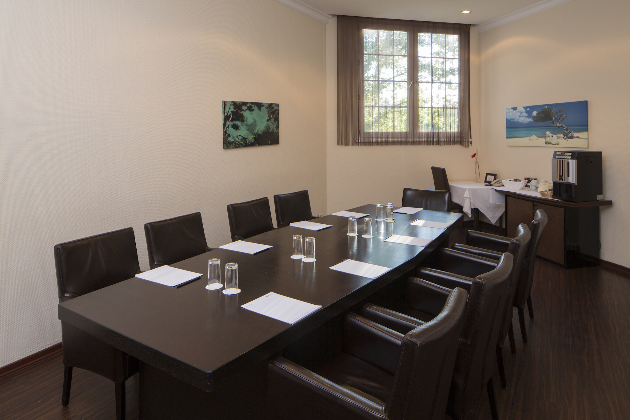 Seminar room Caribic with boardroom | Eventhotel Pyramide in Vienna