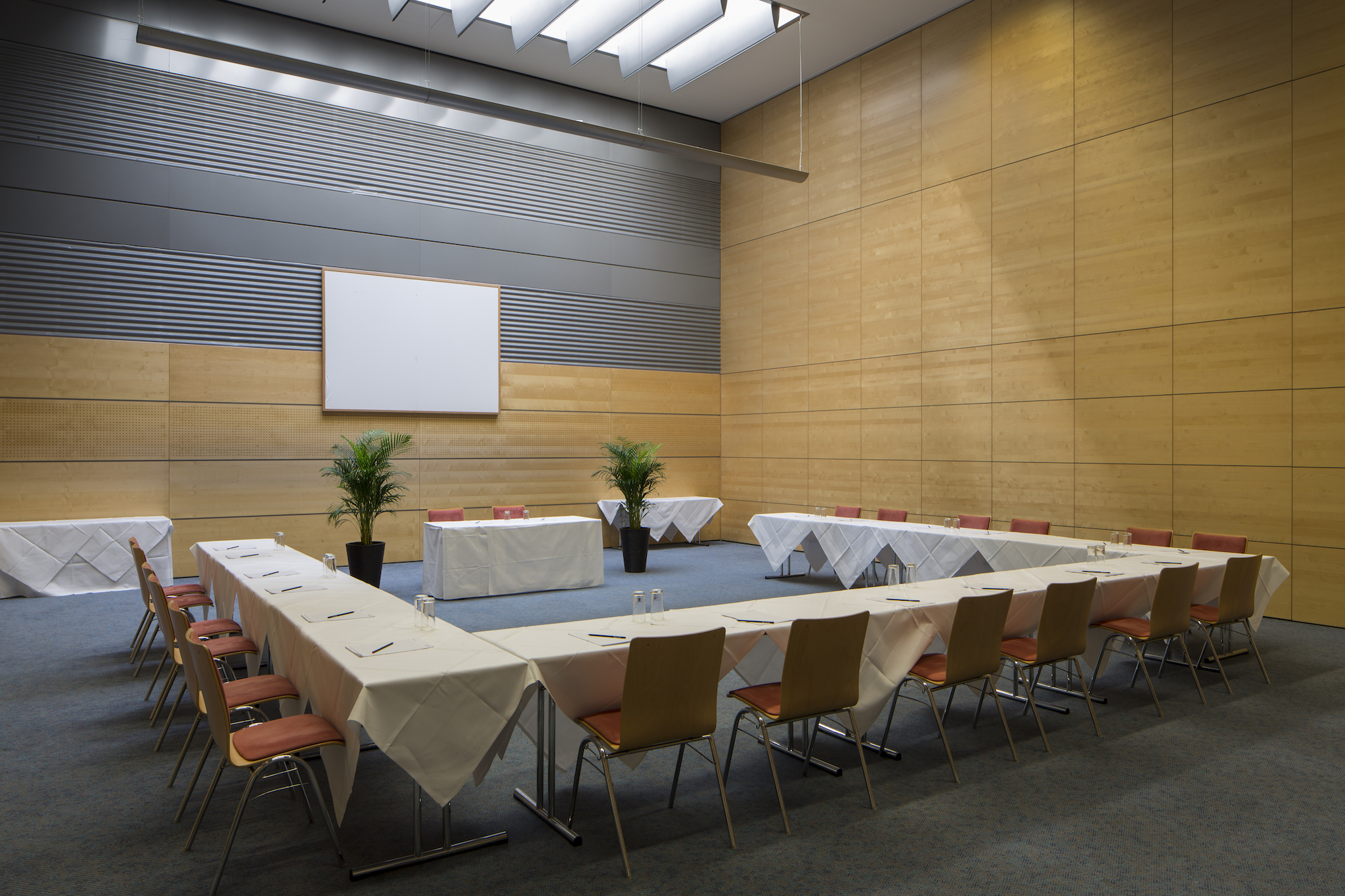 Seminar room Europa 3 with u-shape | Eventhotel Pyramide in Vienna