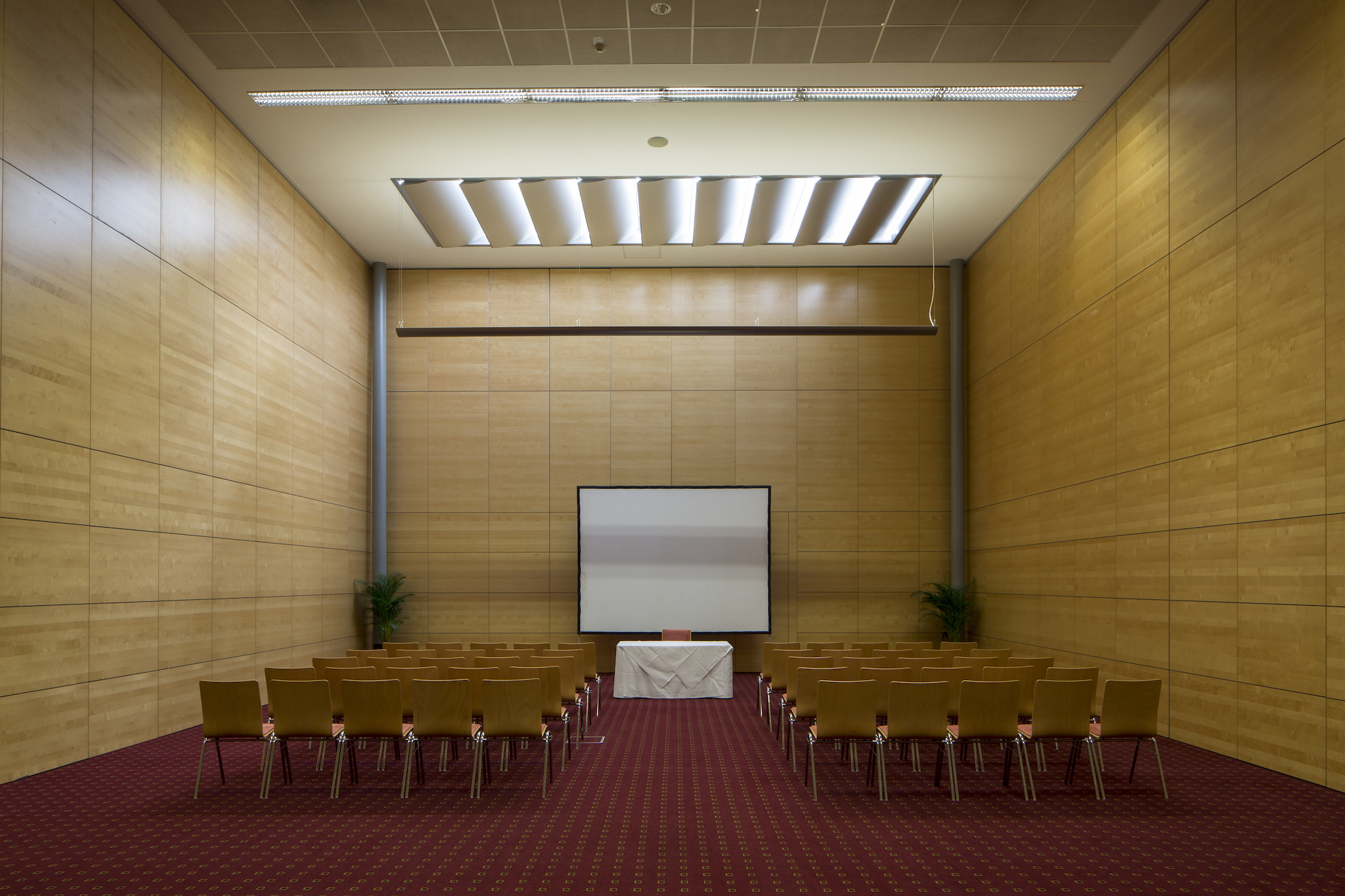Seminar room Europa 2 Theater | Eventhotel Pyramide in Vienna